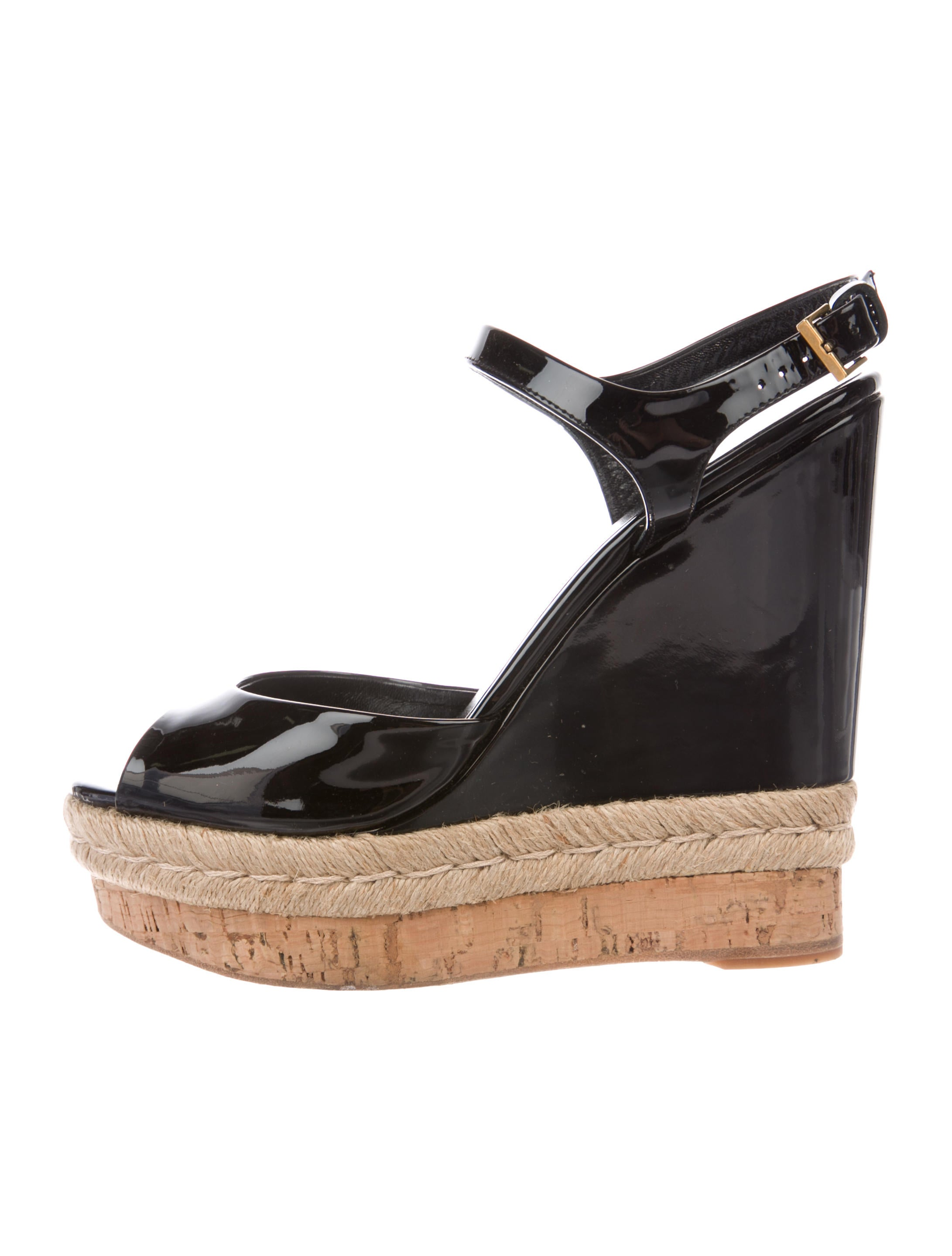 a1e73976ec00 Gucci Patent Leather Wedge Sandals - Shoes - GUC223899
