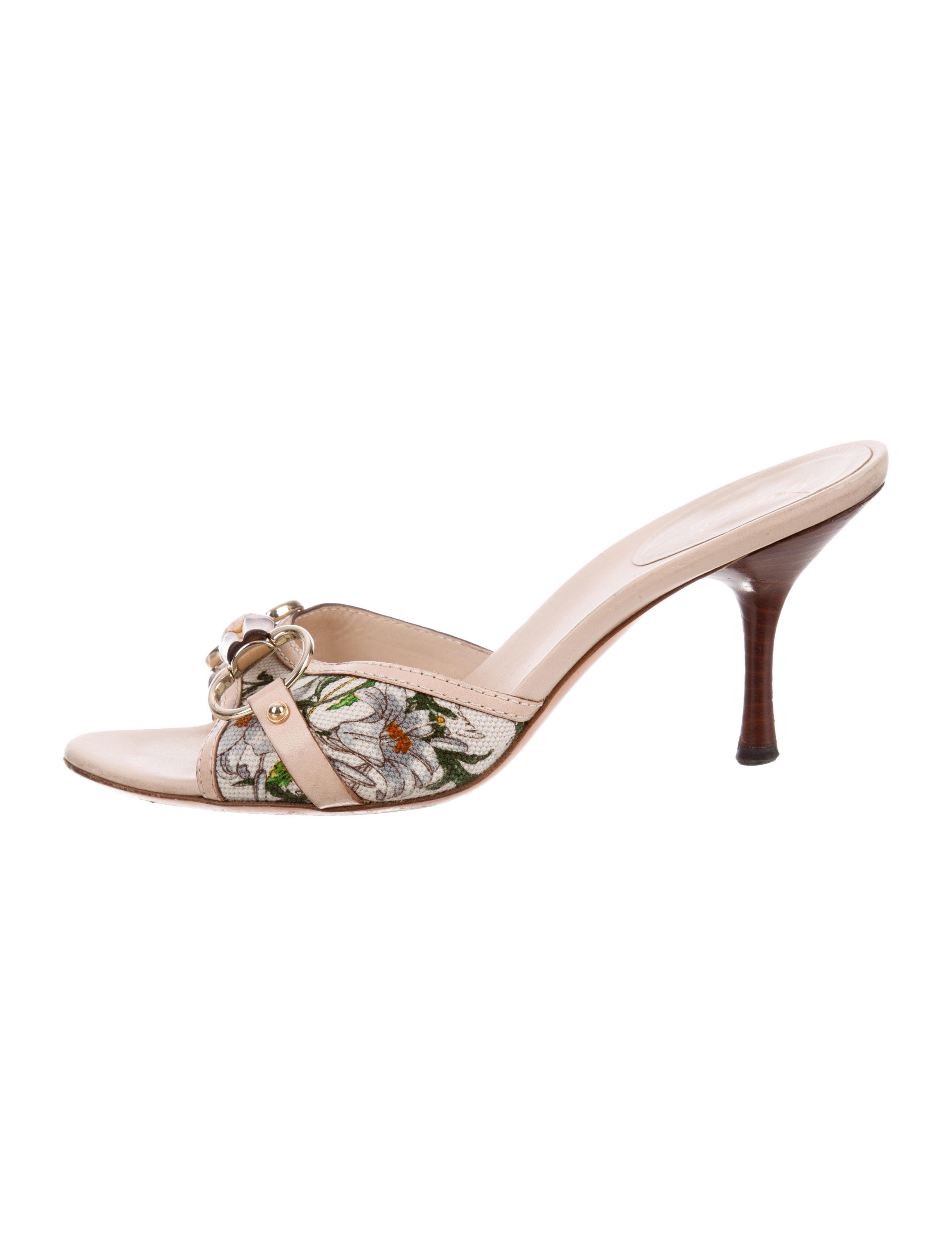 499081dea61 Gucci Flora Horsebit Sandals - Shoes - GUC229349