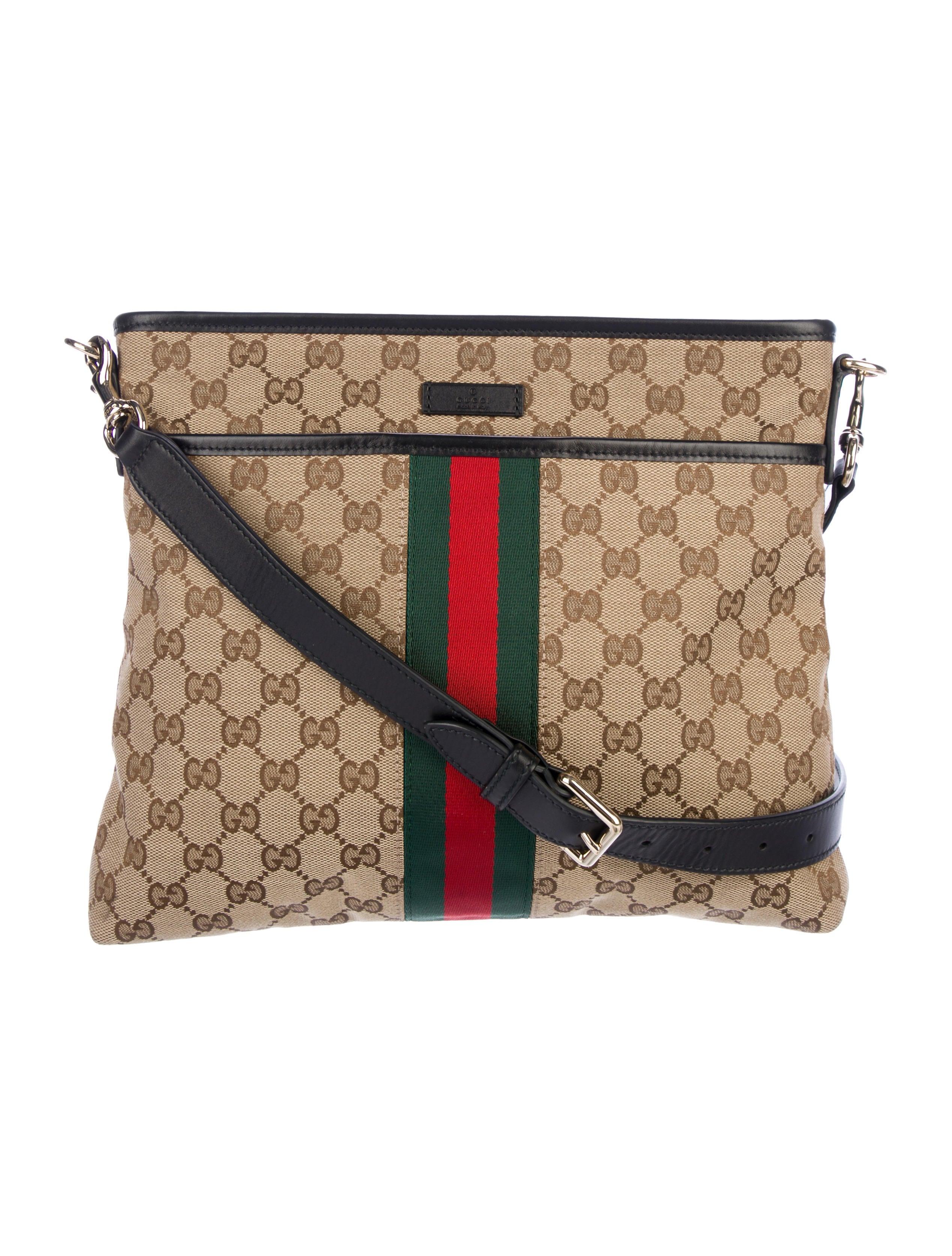 9919d43d383 Gucci Web GG Supreme Messenger Bag - Handbags - GUC232583