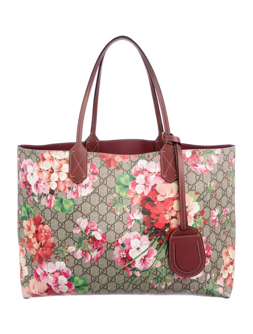 51a603eed Gucci Medium Reversible GG Blooms Tote - Handbags - GUC253664 | The ...