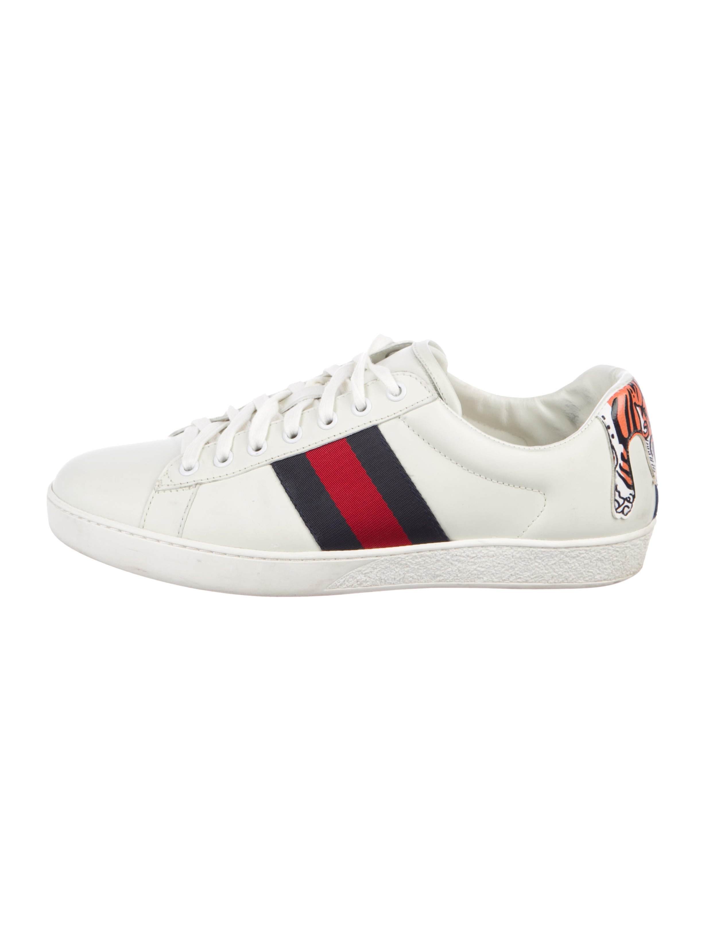 8d2bdbfcc06 Gucci Ace Tiger Low-Top Sneakers - Shoes - GUC267374