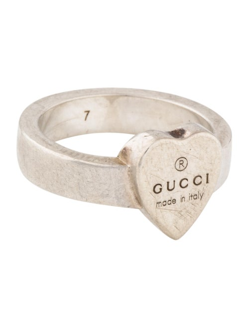 f442bf6559e823 Gucci Trademark Heart Ring - Rings - GUC274476 | The RealReal