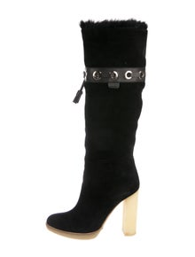 9cf027c71 Gucci. Suede Fur-Lined Boots