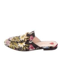 733e232e0a2 Gucci Flats