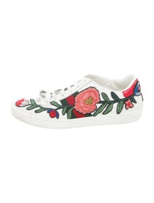 8237690886fe Gucci Sneakers