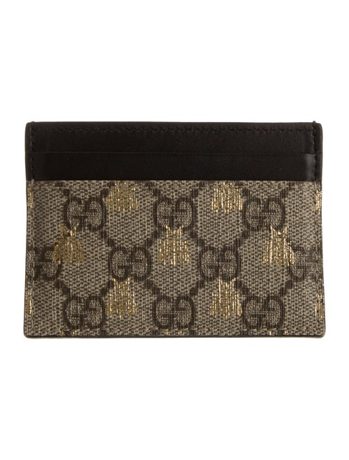 wholesale dealer 3f459 79be7 Gucci GG Supreme Bees Card Case - Accessories - GUC334707 | The RealReal
