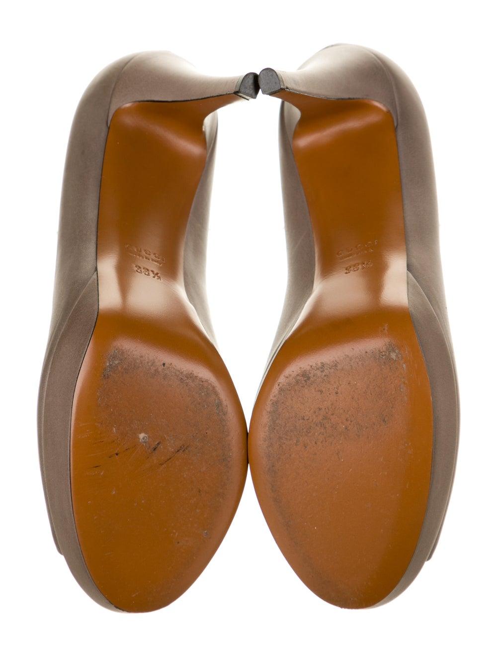 Gucci Leather Pumps - image 5