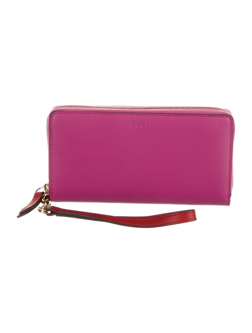 Gucci Leather Wristlet Pink