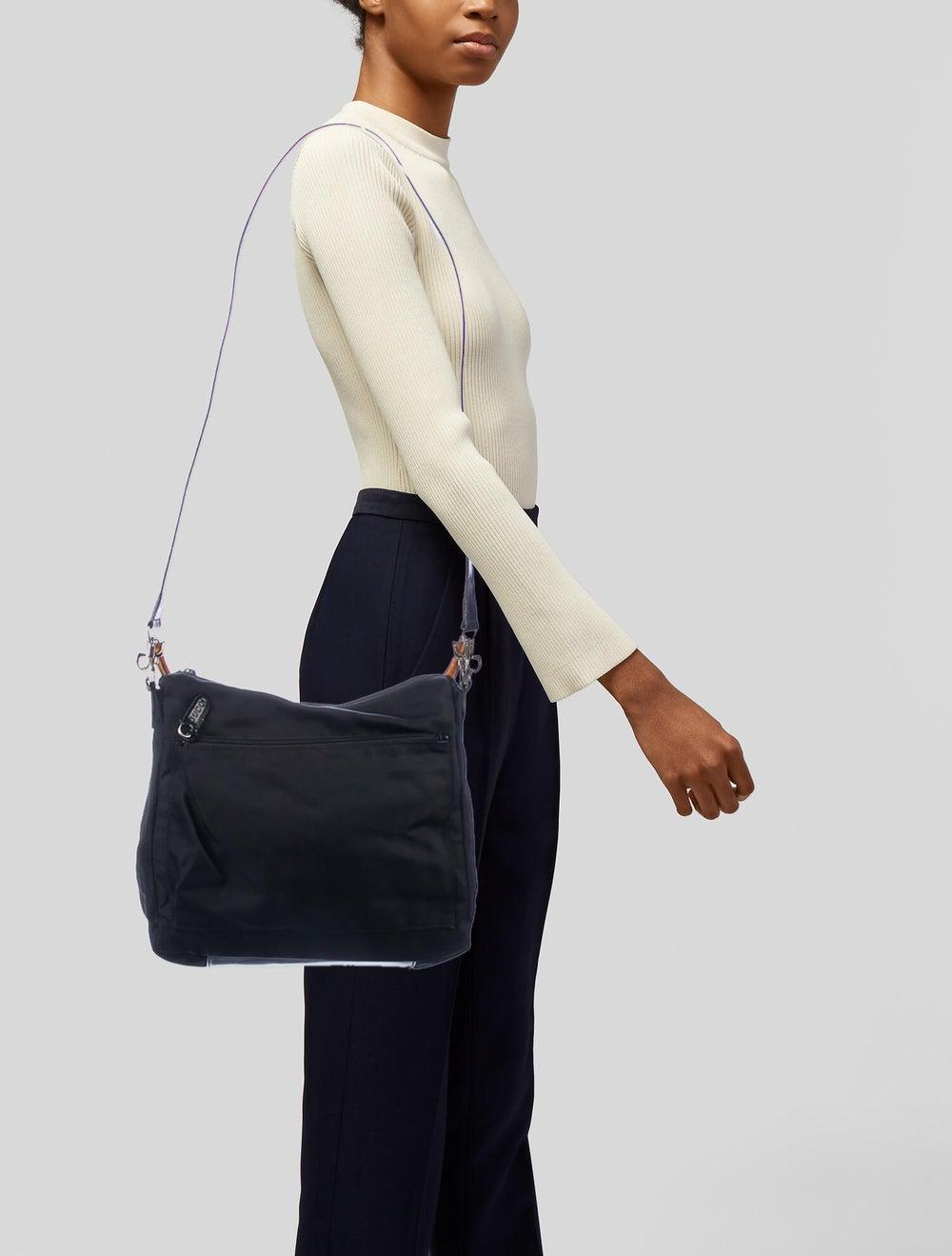 Gucci Vintage Nylon Bamboo Shoulder Bag Black - image 2