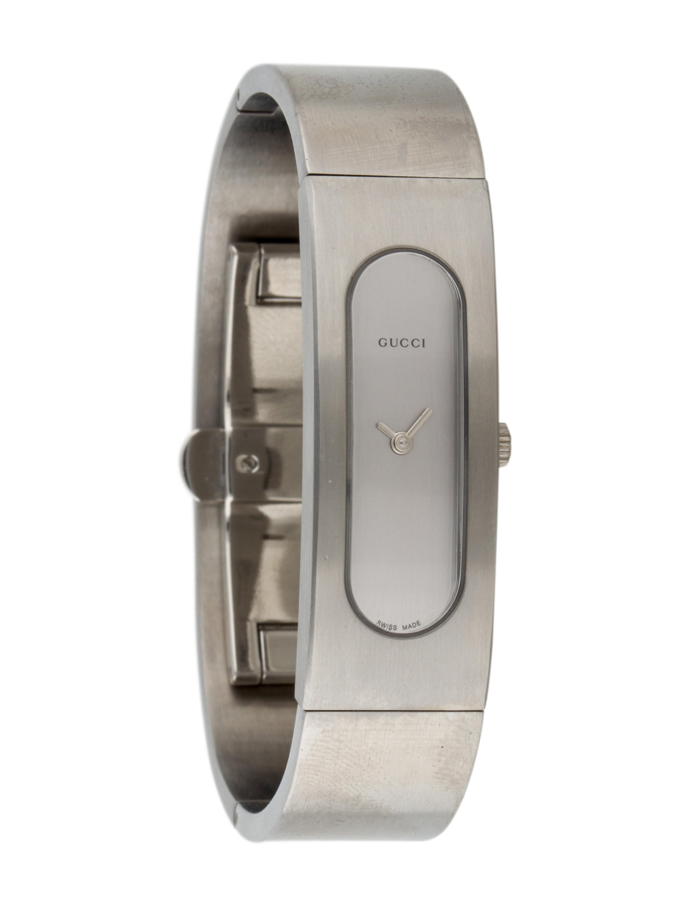 2c402537182 Gucci 2400S Watch w  Tags - Bracelet - GUC76195