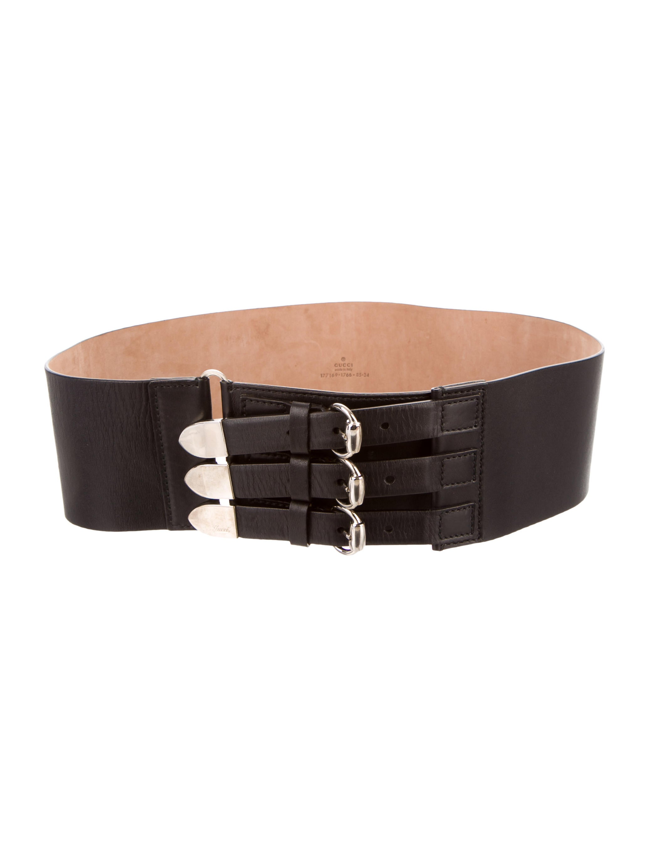 Discover the range of women's belts available from ASOS. From leather and waist belts, to obi and elastic belts.