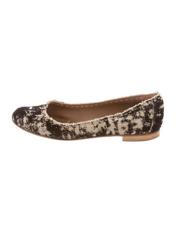 Henry Beguelin Textured Round-Toe Flats None