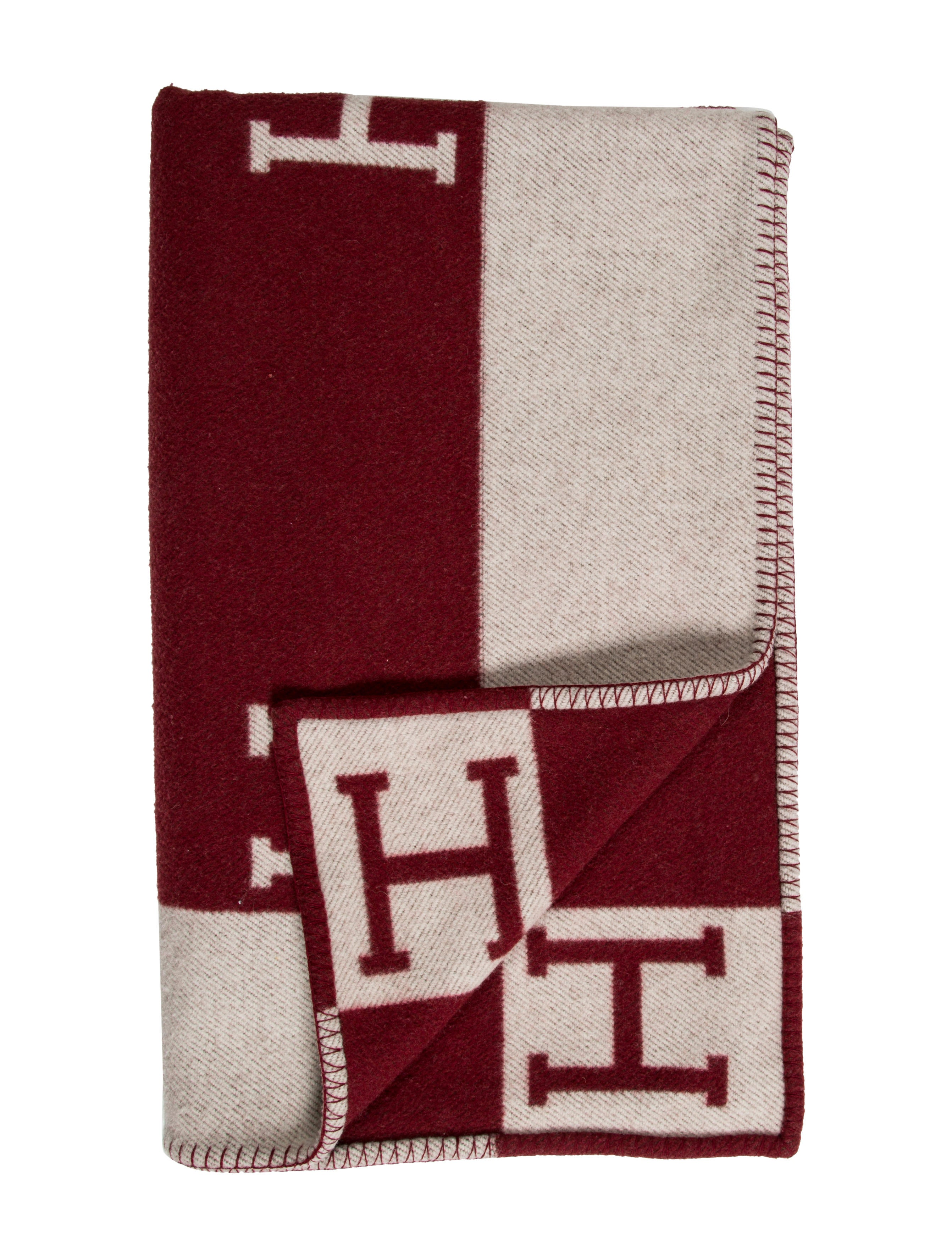 Herm S New Classic Avalon Throw Blanket Pillows And