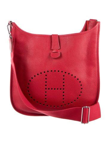 Evelyne Hermes red