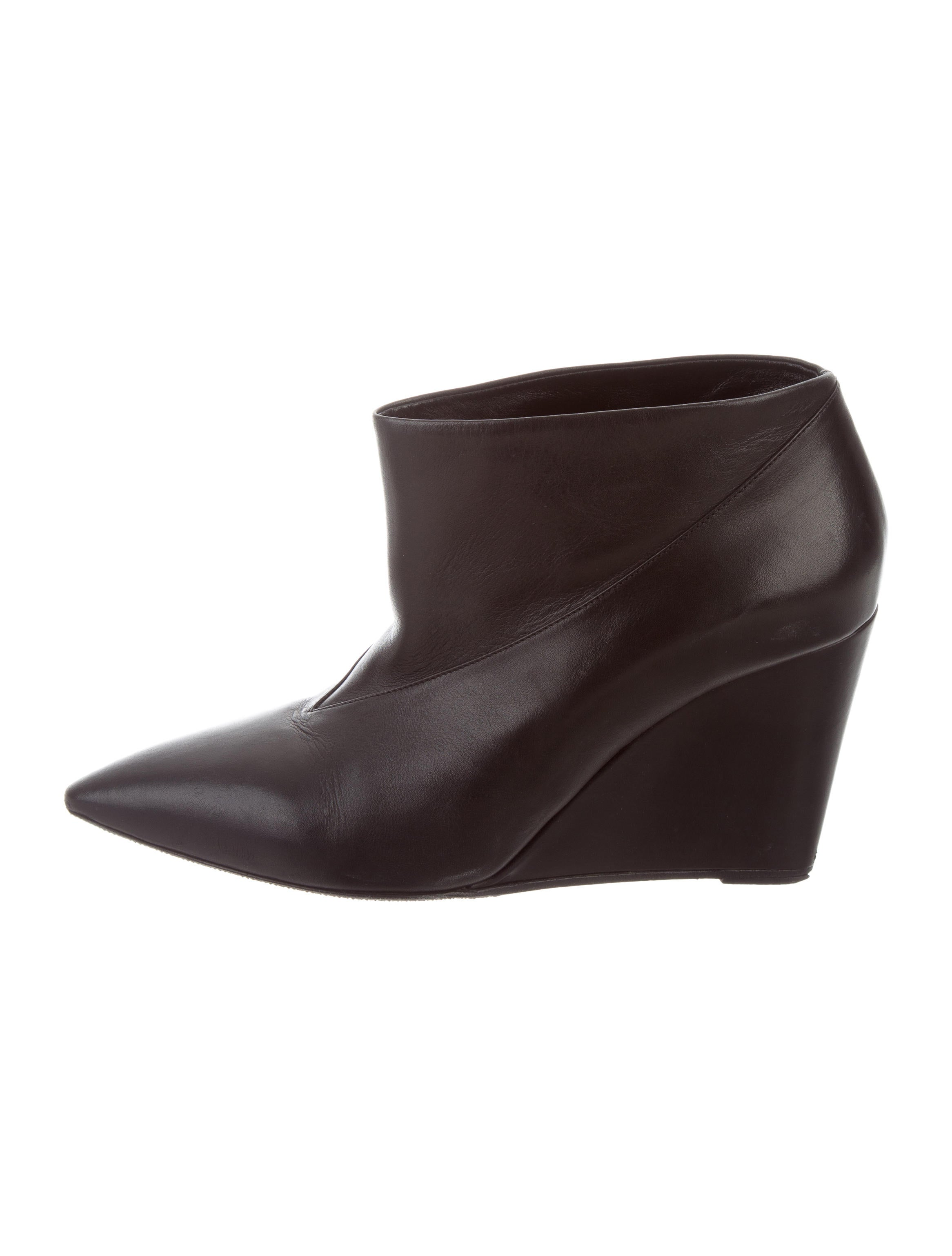 herm 232 s leather wedge ankle boots shoes her109891 the