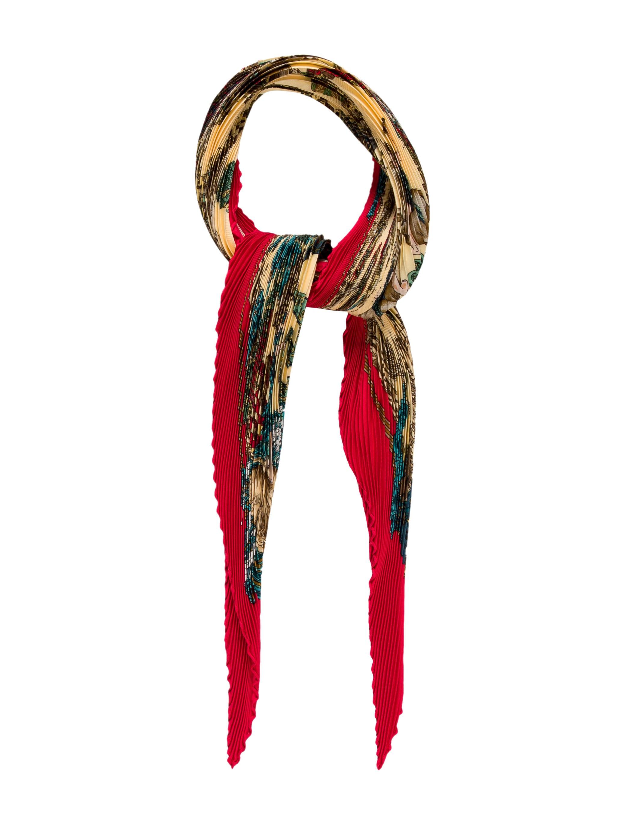 herm 232 s au fil de la soie silk pliss 233 scarf accessories