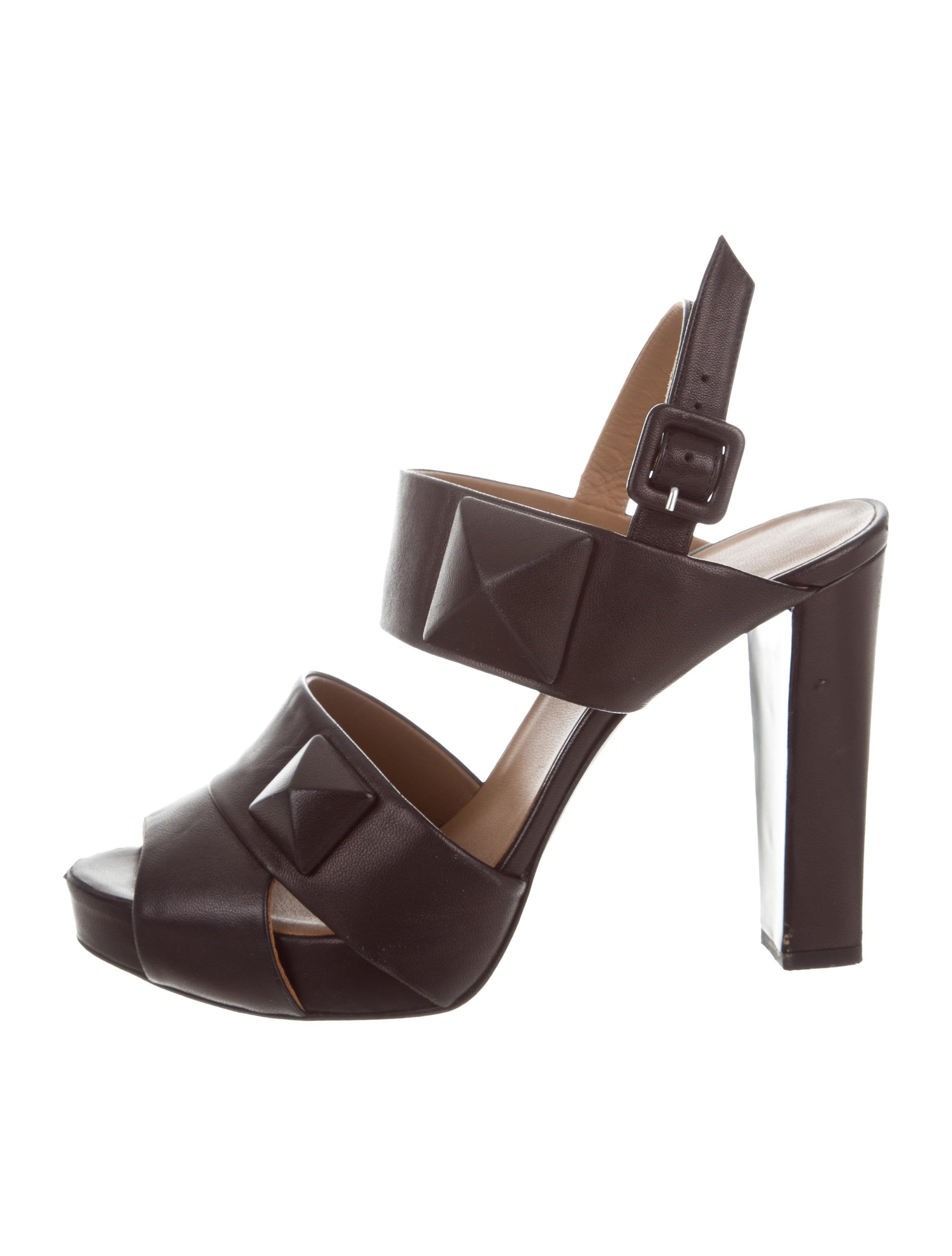 Hermès Leather Studded Sandals clearance eastbay under $60 for sale get to buy VZY418SXBg