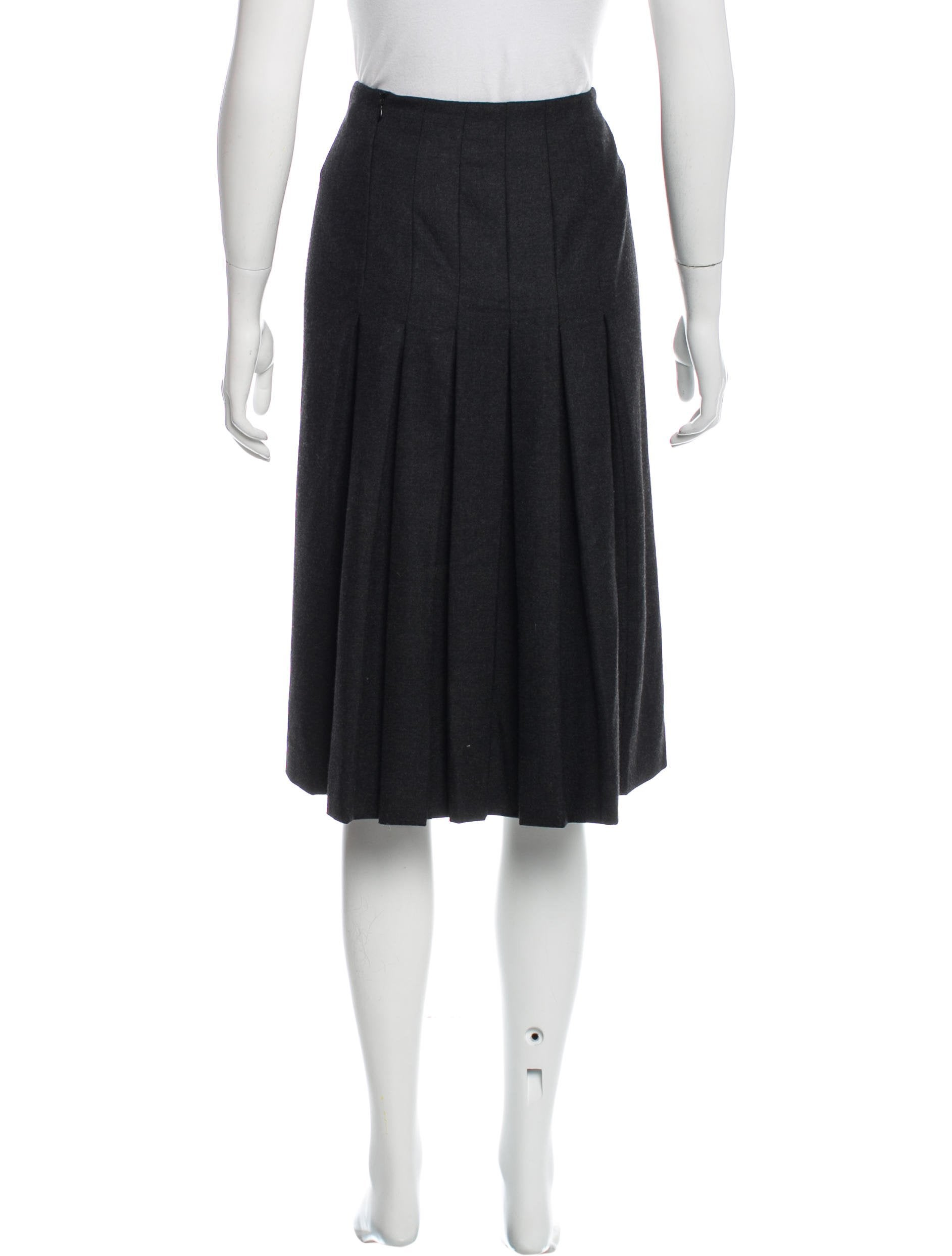 herm 232 s wool pleated skirt clothing her90853 the realreal