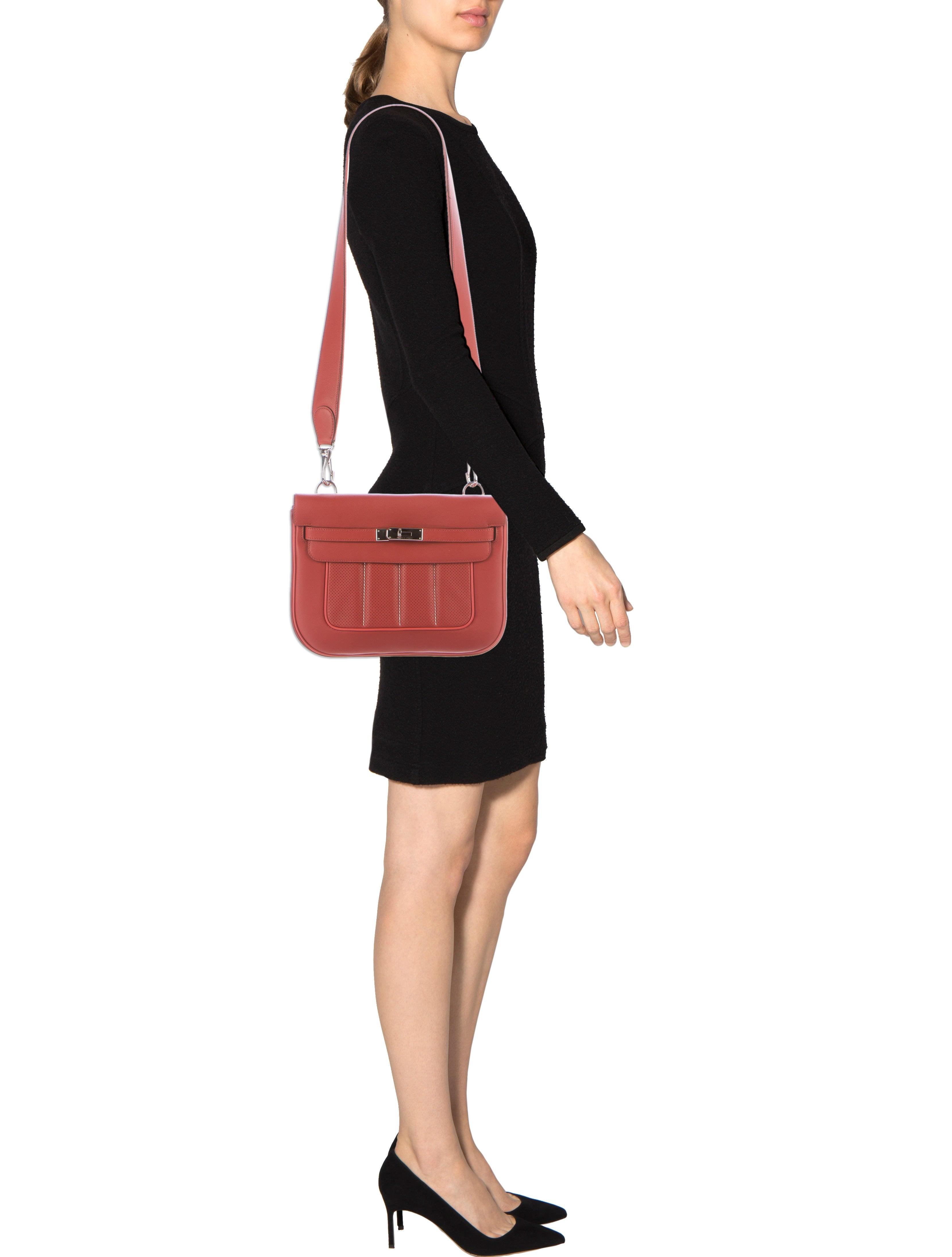 herm s swift berline 28 handbags her93951 the realreal. Black Bedroom Furniture Sets. Home Design Ideas