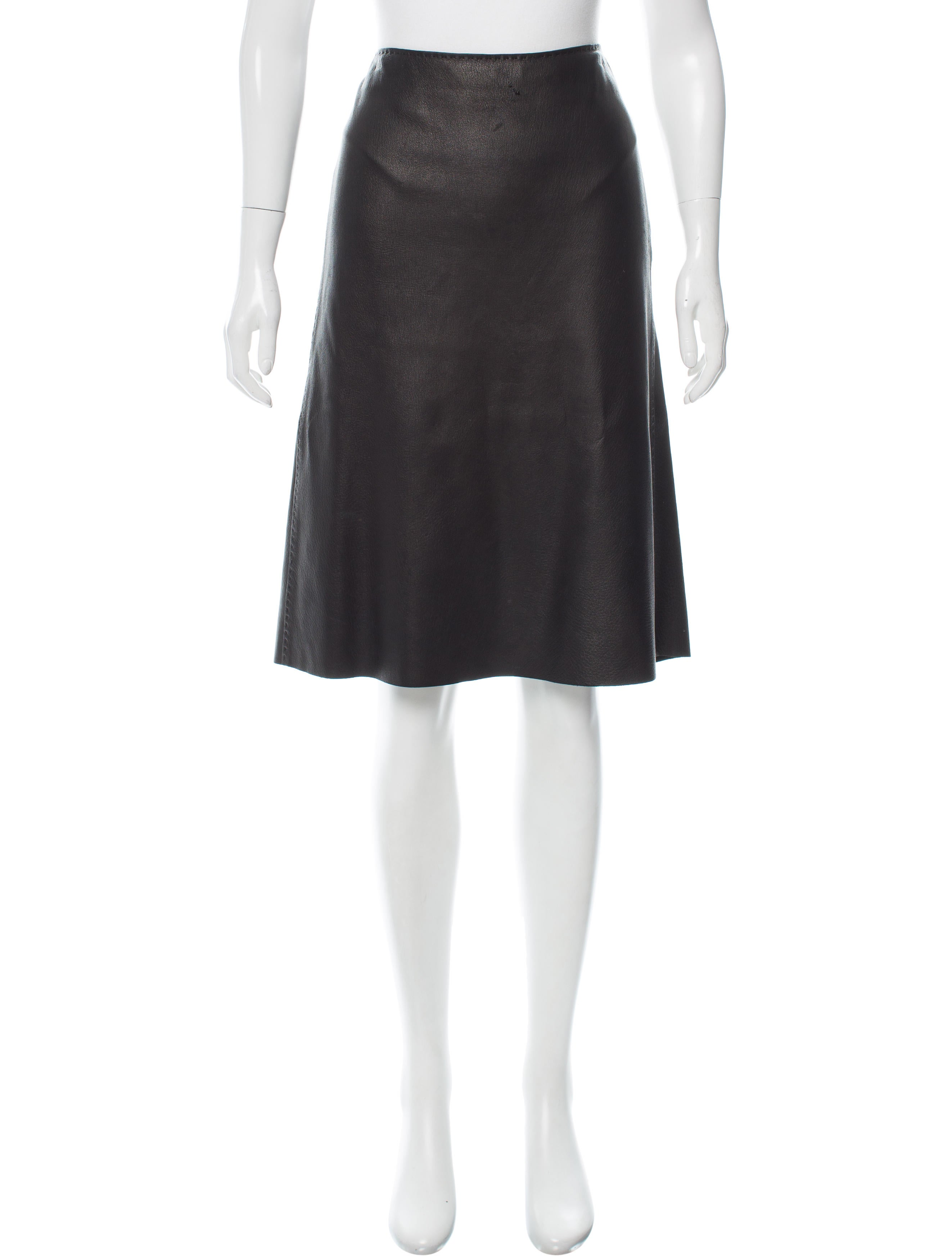 herm 232 s leather knee length skirt clothing her97547