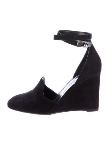 Hermès Suede Round-Toe Wedges None