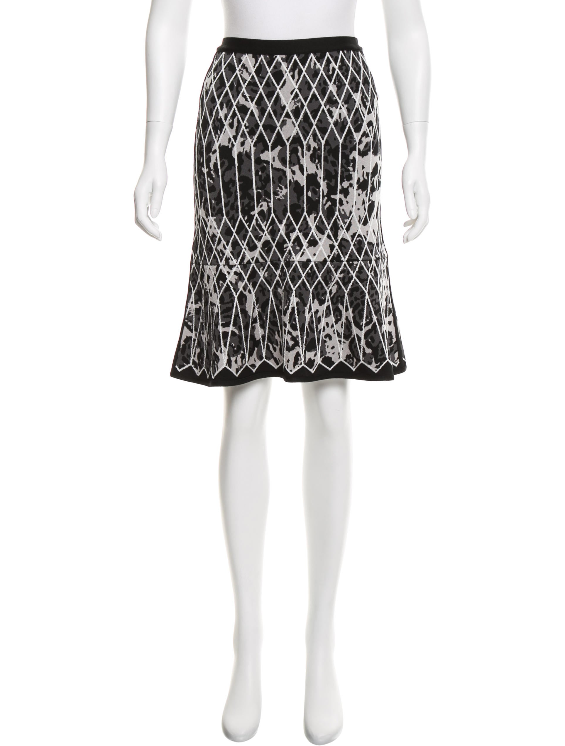 herve leger pattern knee length skirt w tags clothing