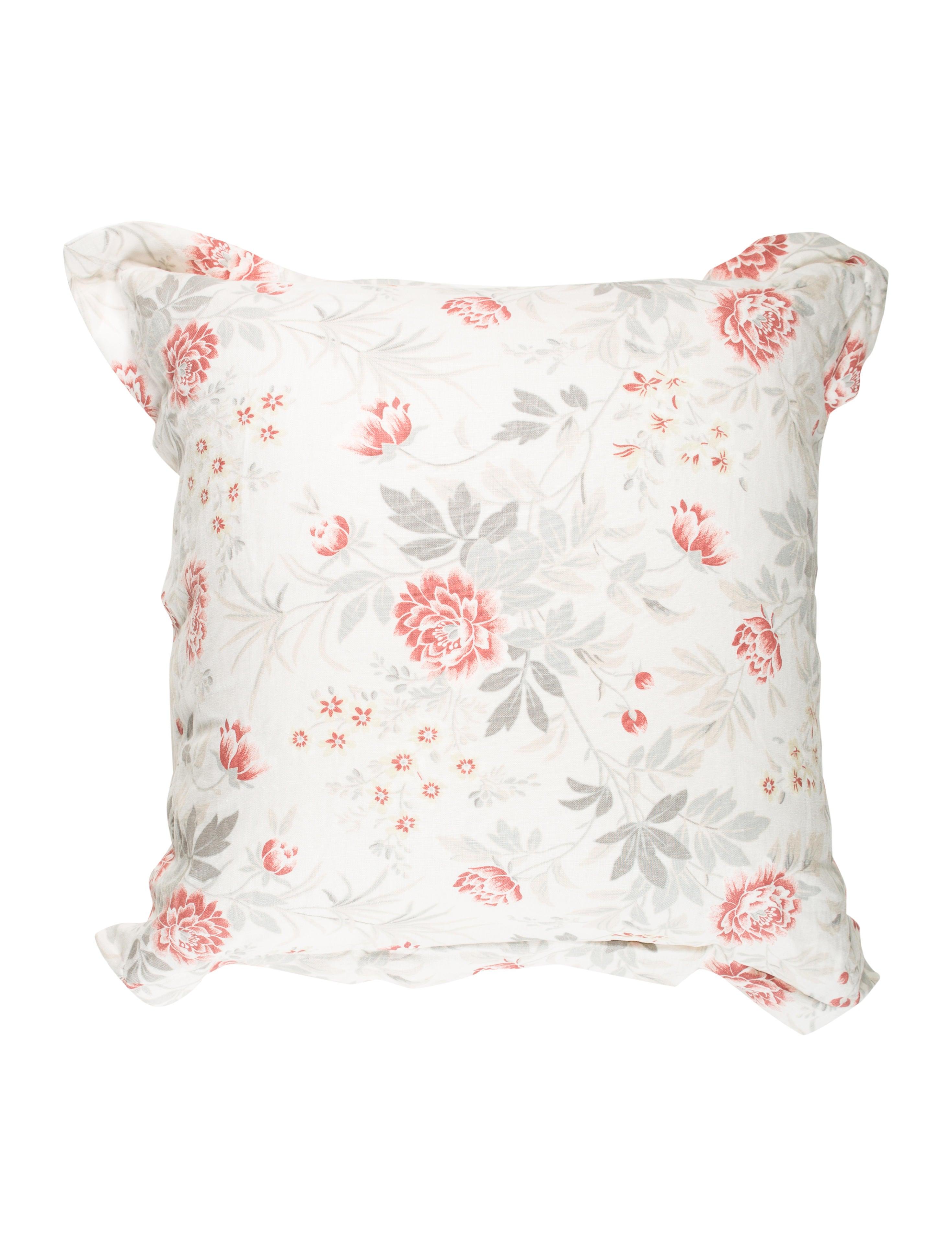 Home linen floral throw pillow bedding and bath hme21189 the realreal - Bedroom throw pillows ...