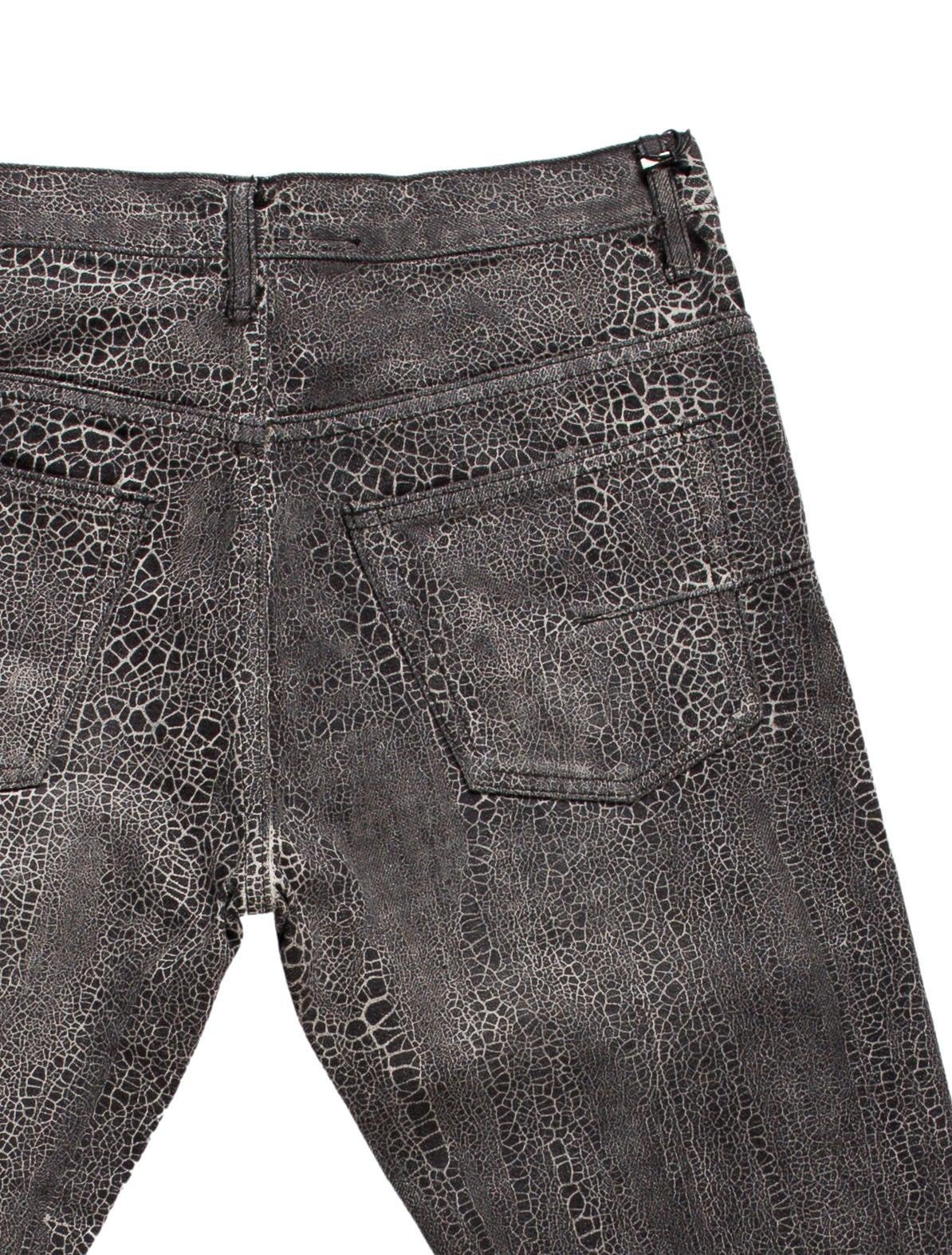 dior homme slim leg jeans clothing hmm21316 the realreal. Black Bedroom Furniture Sets. Home Design Ideas