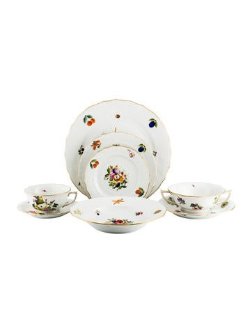 Herend 9-Piece Fruits & Flowers Table Setting None