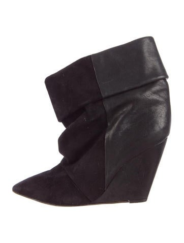 Pointed-Toe Wedge Ankle Boots