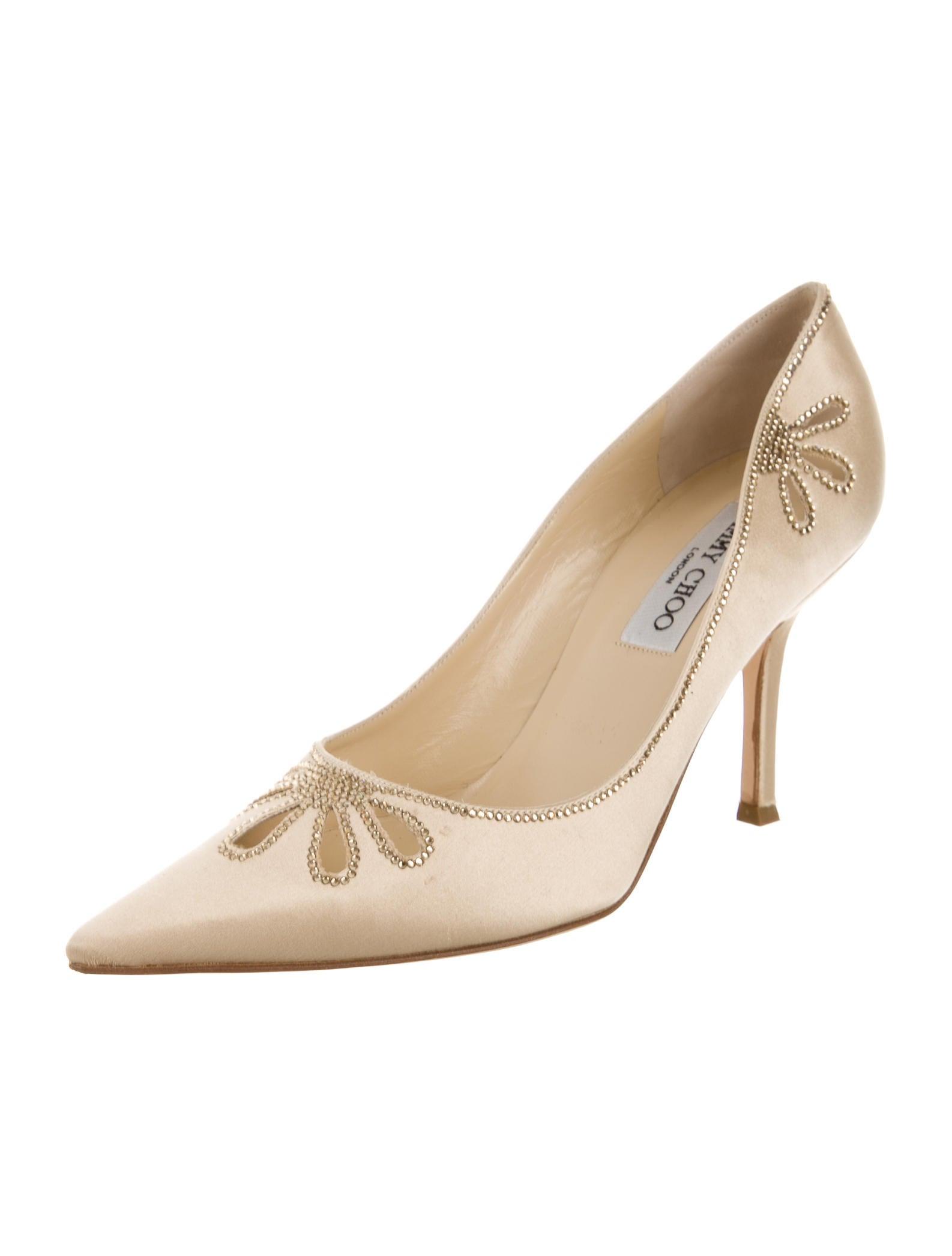 jimmy choo embellished satin pumps shoes jim51362. Black Bedroom Furniture Sets. Home Design Ideas