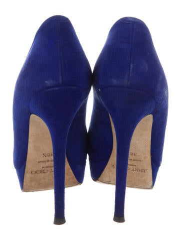 Round-Toe Platform Pumps