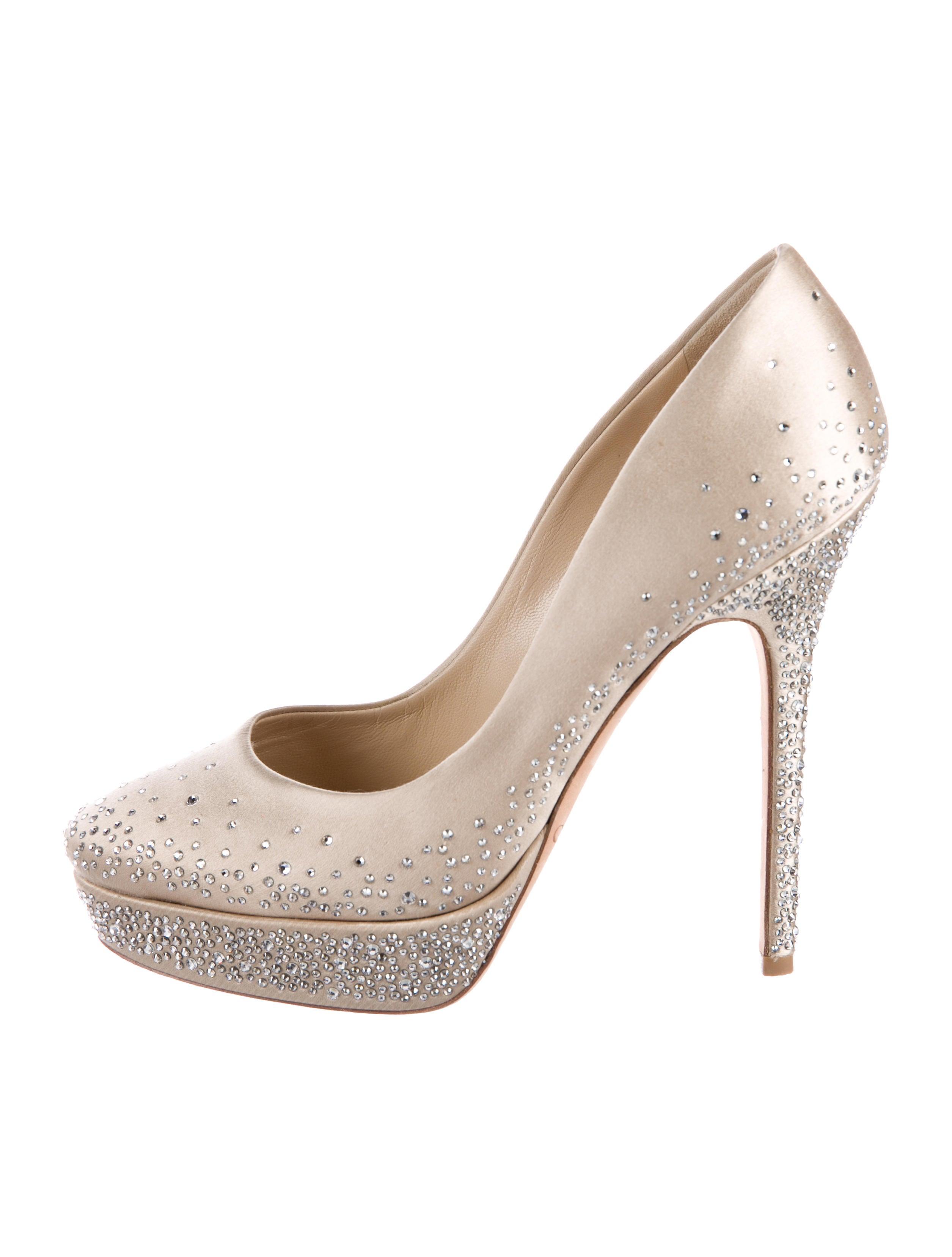 jimmy choo embellished satin pumps shoes jim82078. Black Bedroom Furniture Sets. Home Design Ideas