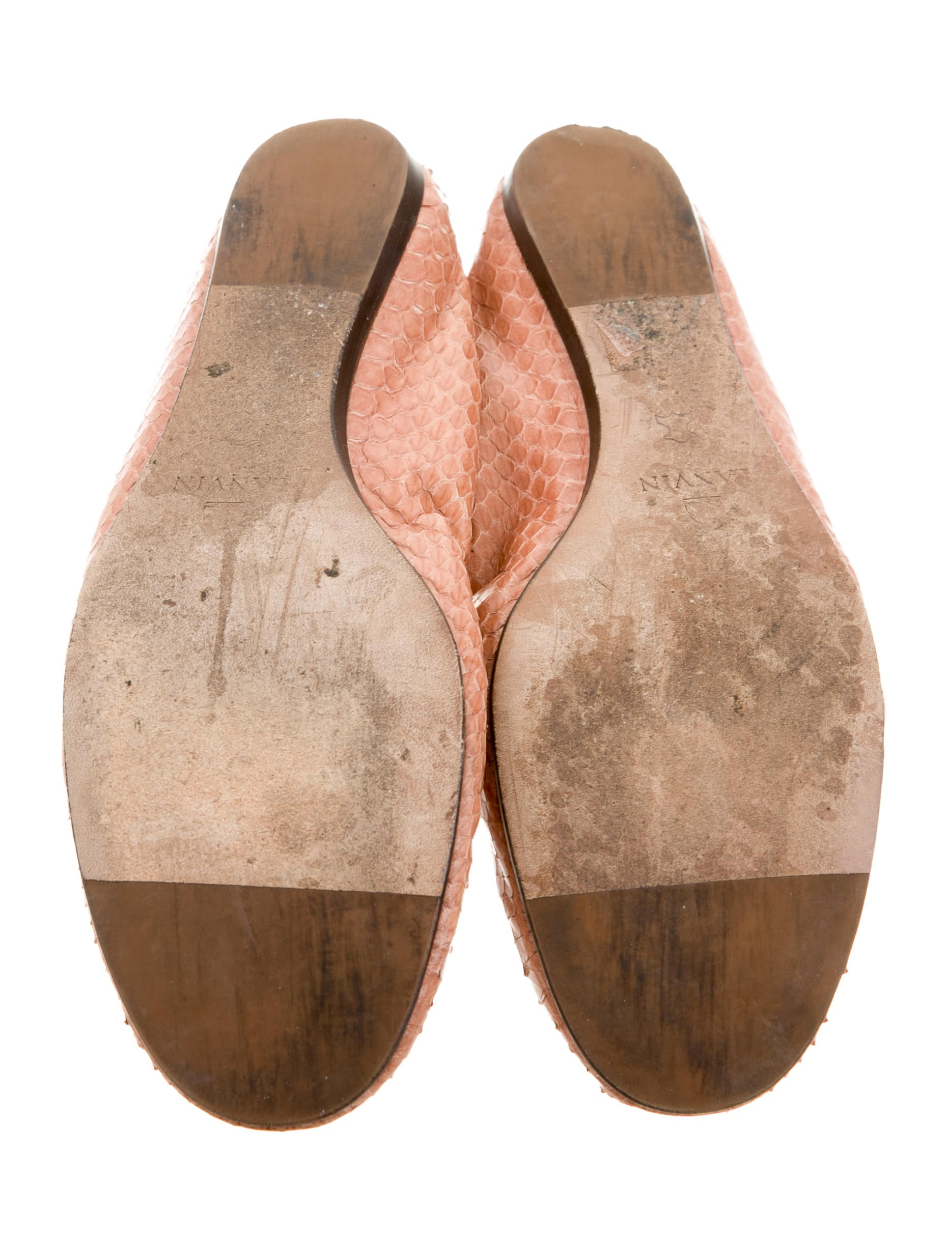 Find grey snakeskin flats at ShopStyle. Shop the latest collection of grey snakeskin flats from the most popular stores - all in one place.