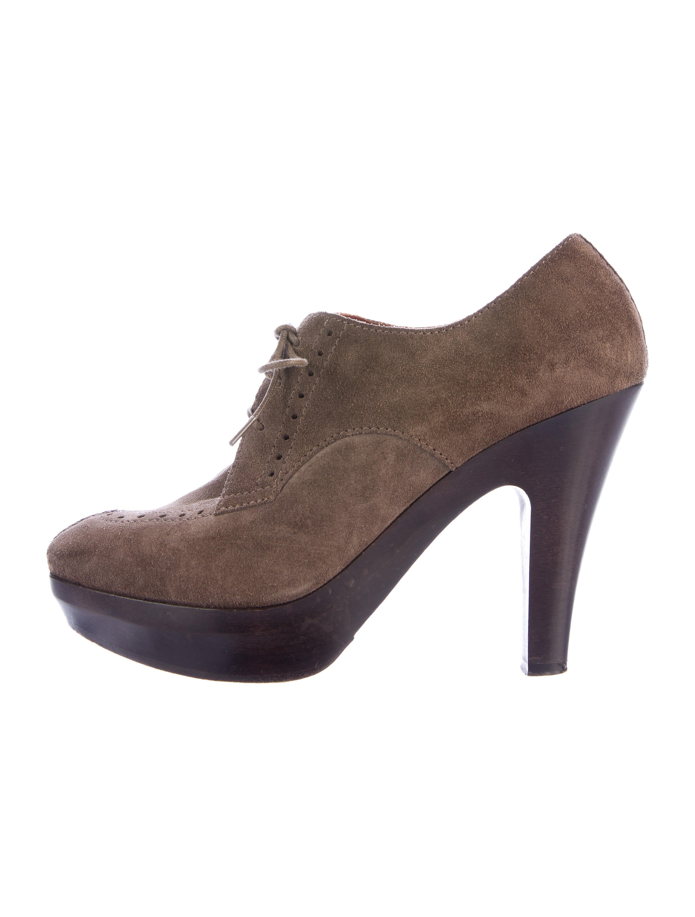 Discover the whole range of women's shoe styles with ASOS. From wedged sandals to sneakers & ballet flats, browse our collection and find your sole mate. ASOS DESIGN Fredo suede knotted two part with tie leg. $ ASOS DESIGN Foster suede studded two part with tie leg. New Look Suedette Lace Up Heeled Boot. $ ASOS DESIGN Paris.