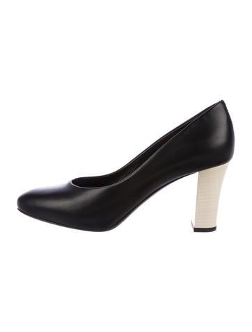 black almond toe pumps - 362×478