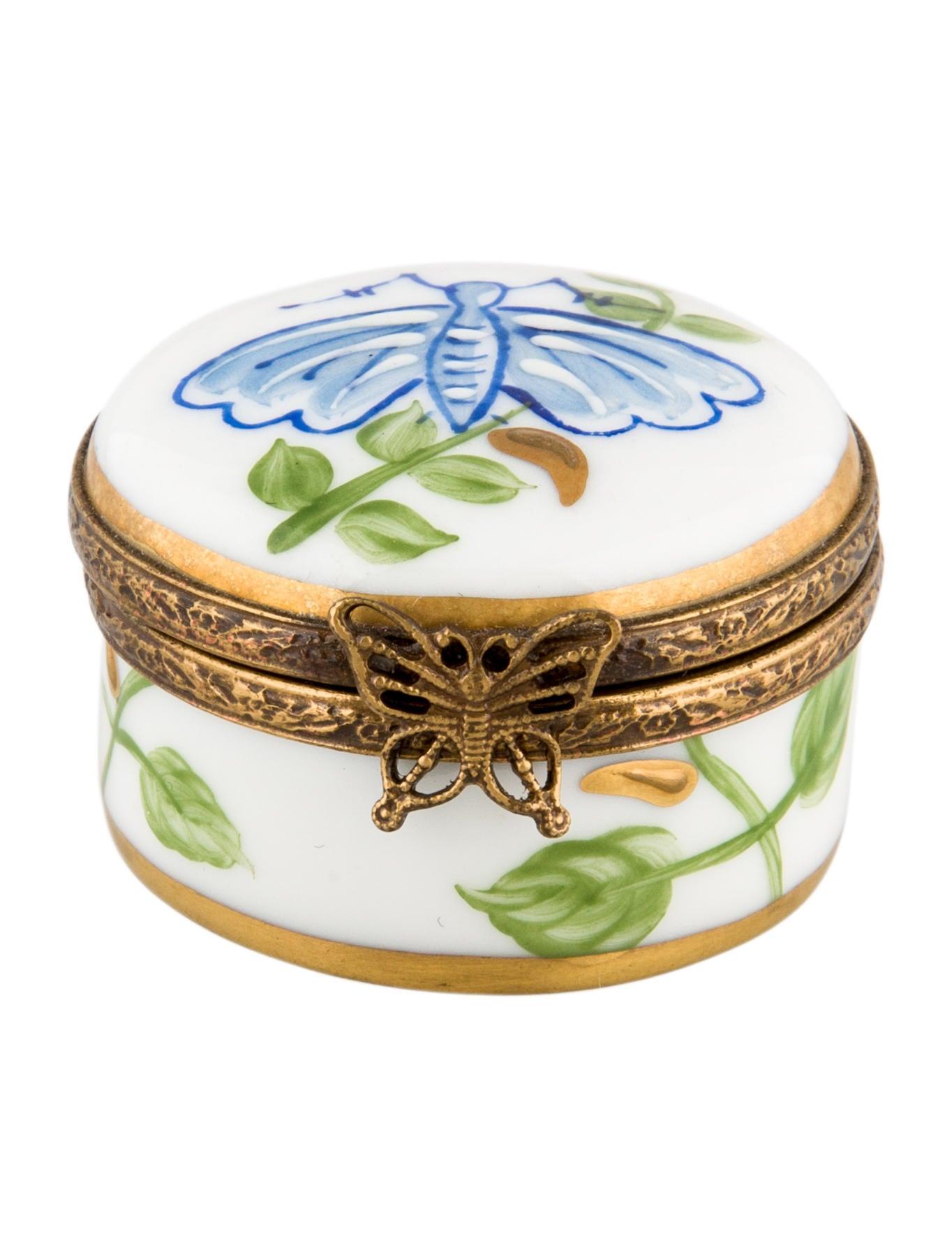 limoges laure s lignac butterfly trinket box decor and. Black Bedroom Furniture Sets. Home Design Ideas