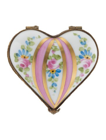 Limoges heart shaped box decor and accessories for Heart shaped decorations home