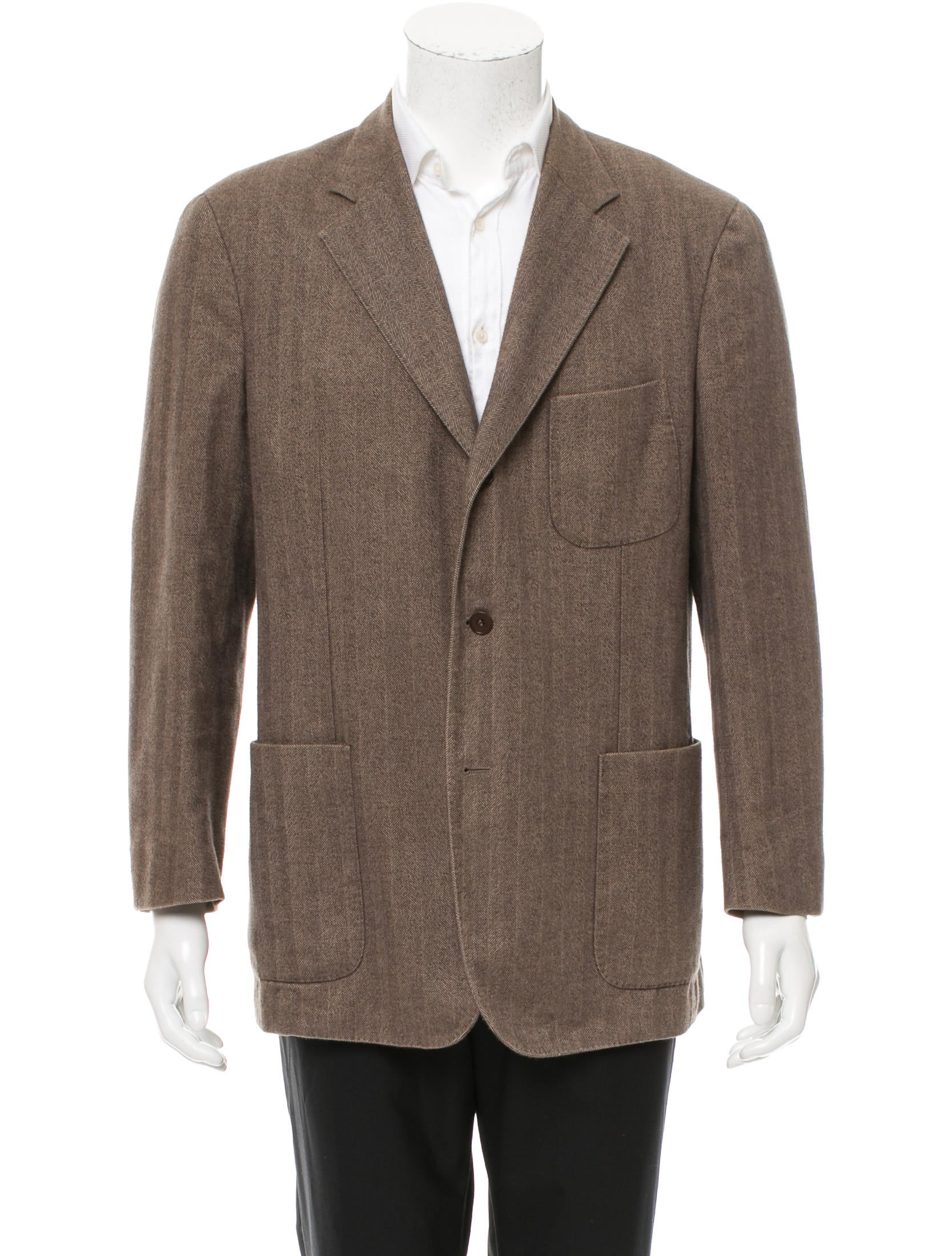 Overcheck Herringbone (Estate Tweed): This pattern consists of a herringbone weave overlaid with a check in various colors. Also known as estate tweeds. For most, suits or sport coats made out of a – gram tweed cloth will be much more suitable for a number of different activities such as hiking or strolling. As with anything.