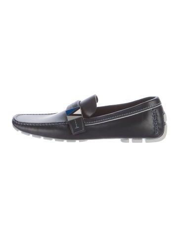 Black dress maroon shoes 007