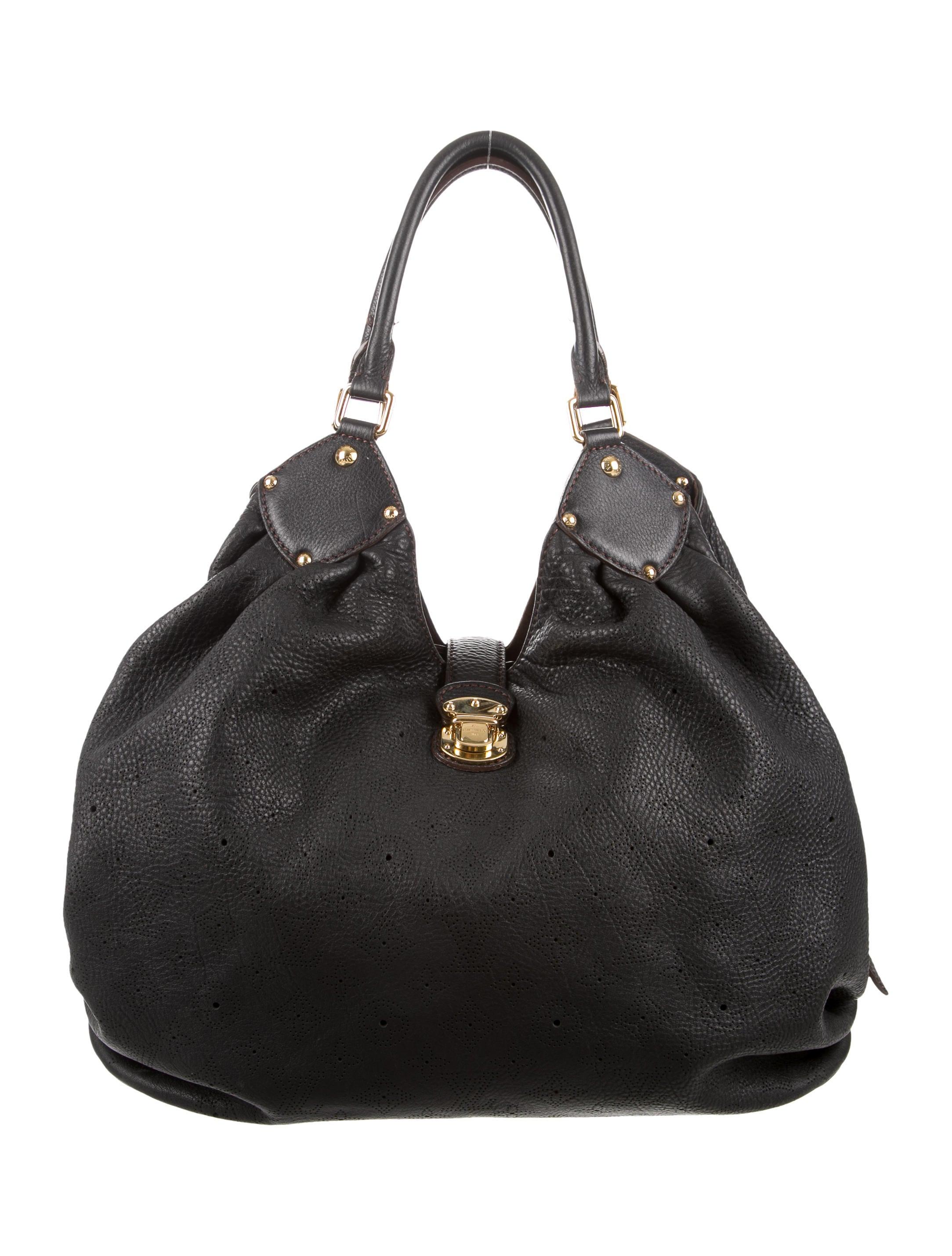 326faf42cf67 Louis Vuitton Mahina Black Leather Hobo Xl
