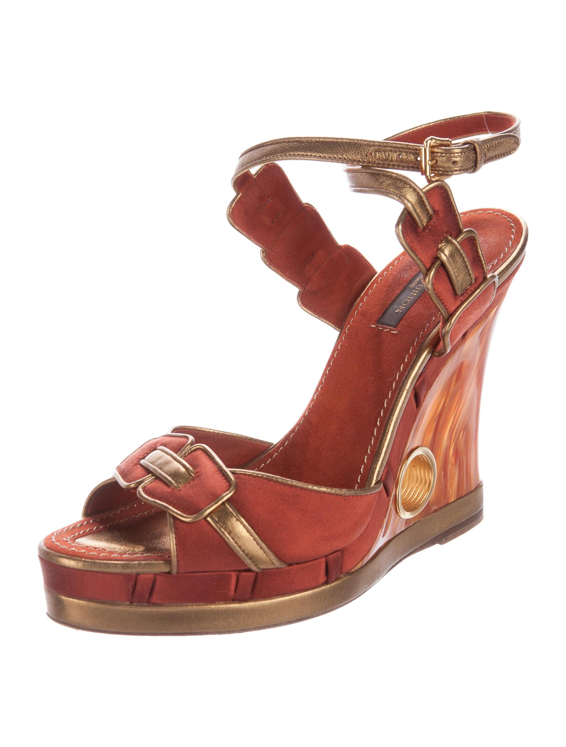 louis vuitton satin wedge sandals shoes lou107356