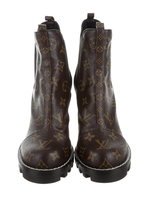 98a8e891b2ef Louis Vuitton Star Trail Ankle Boots - Shoes - LOU115172