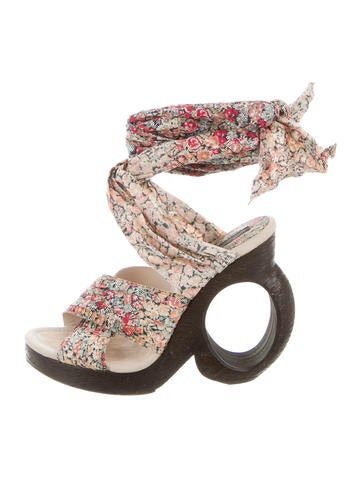 Louis Vuitton Floral Crossover Sandals None
