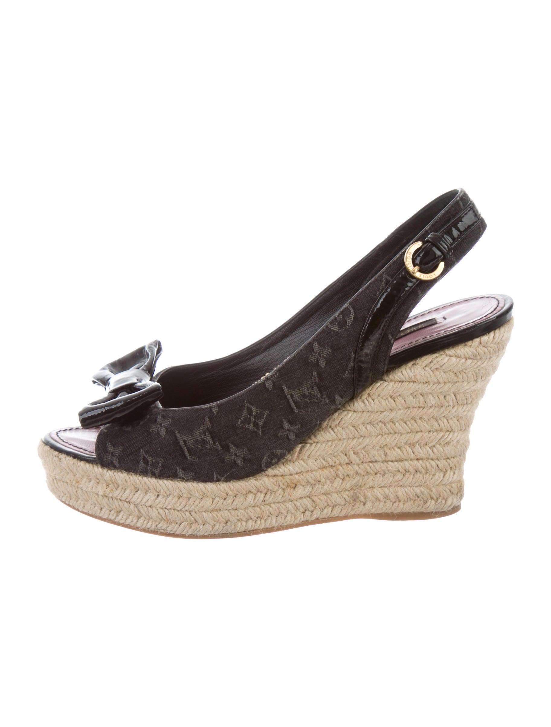 50acd6682a2 Louis Vuitton Monogram Espadrille Wedges - Shoes - LOU124323