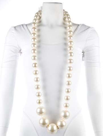 Louis Vuitton Oversized Faux Pearl Necklace Necklaces