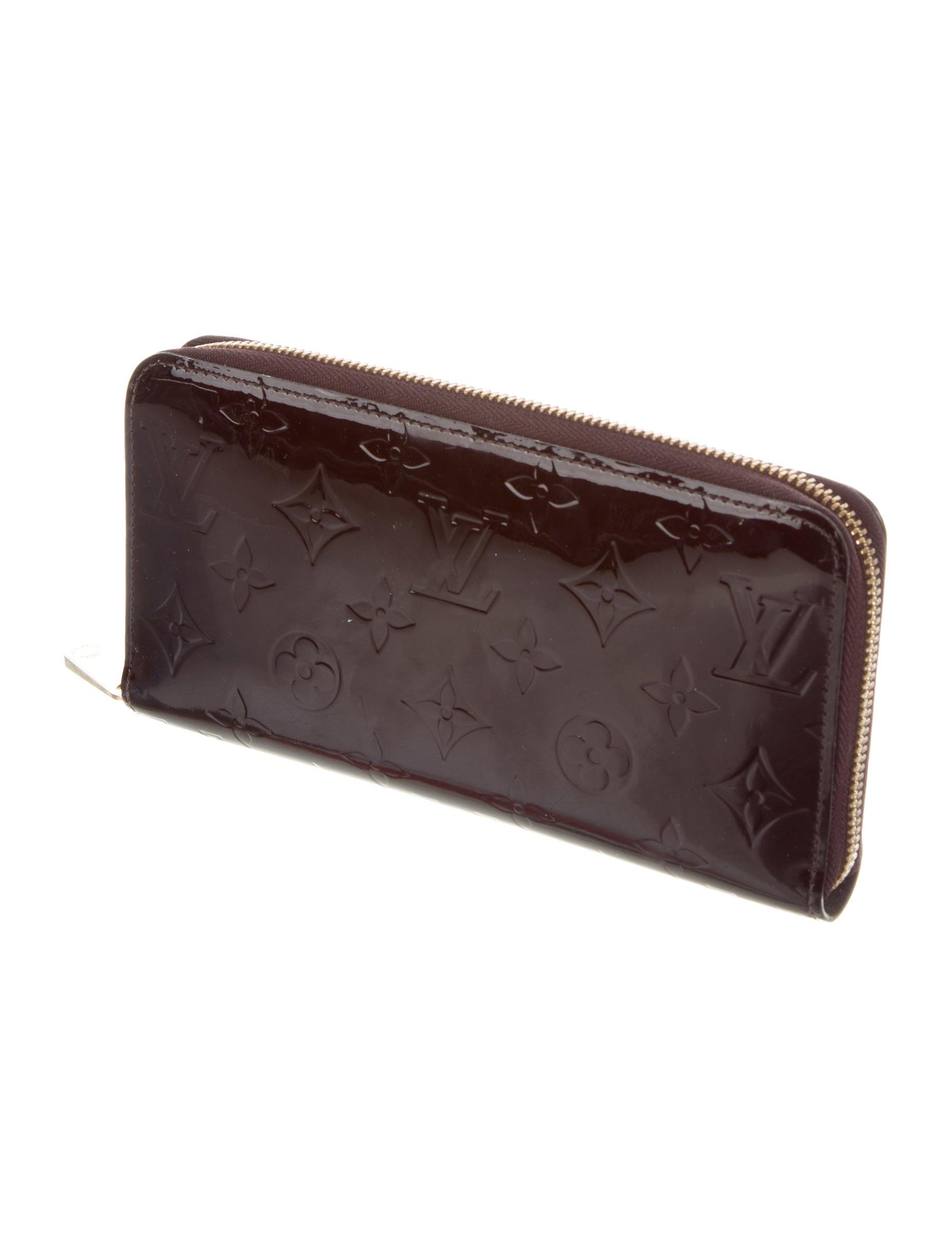 louis vuitton monogram vernis zippy wallet accessories lou127292 the realreal. Black Bedroom Furniture Sets. Home Design Ideas