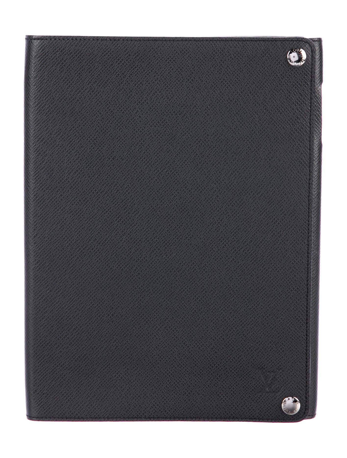Louis Vuitton Taiga Ipad Case Technology Lou131046
