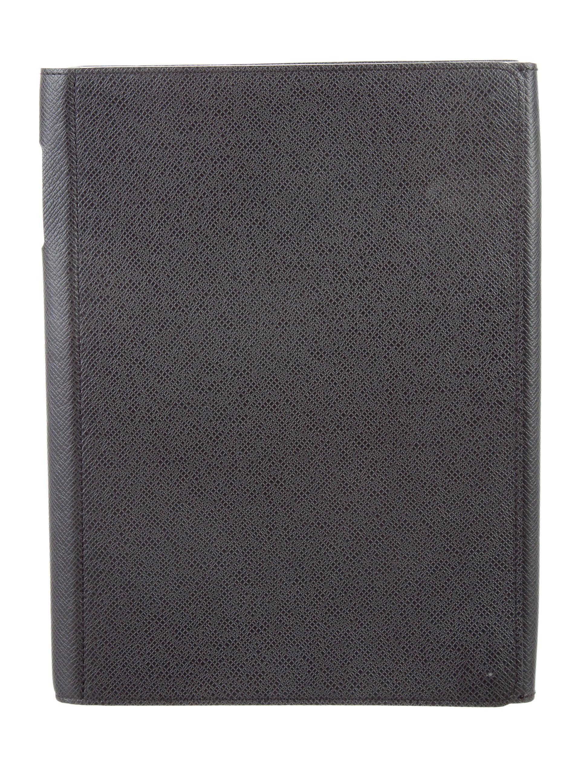 Louis Vuitton Taiga Ipad Case Technology Lou132341