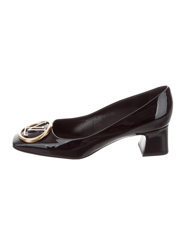 99949756b151 Louis Vuitton 2017 Madeleine Square-Toe Pumps - Shoes - LOU146848 ...